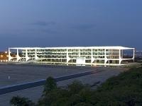 設計: オスカー・ニーマイヤー( 1907年- ) 国籍: ブラジルの建築家  年代: 20世紀   Palacio do Planalto in Brasilia, Brazil, 1958-60.