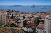 フランス マルセイユの丘から町並みと地中海