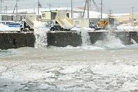 北海道 埠頭の雪捨て場