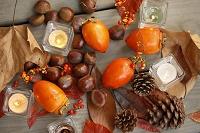 秋の彩、キャンドル 栗、柿、紅葉、