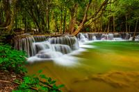 タイ フアイメーカミンの滝