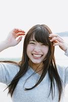 表情豊かな若い日本人女性