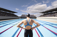女子水泳選手の後ろ姿