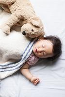寝ている幼児 女の子