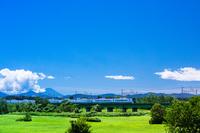 東京都 JR中央線と富士山