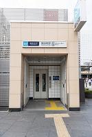地下鉄の出入り口に海抜を表示している様子 0.1m 錦糸町駅