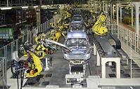 産業用ロボット 車体組立工場