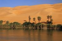 リビア・サハラ ウバリ砂漠・塩湖とオアシス