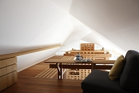 ロフトへの渡り廊下と天井