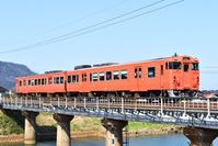 鳥取県 山陰本線 鉄橋を渡るキハ47系普通気動車