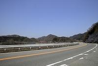 一庫ダム知明湖と県道