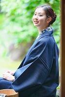 浴衣の日本人女性