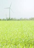 風力発電機と草原