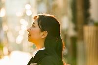 就職活動中の若い日本人女性