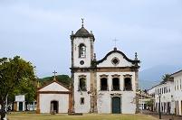 ブラジル サンタ・ヒタ教会と旗
