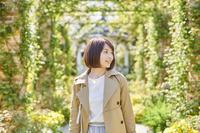 一人旅をする日本人女性