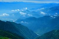 長野県 爺ヶ岳よりの山並み