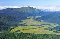 福島県 尾瀬 燧ヶ岳から望む至仏山