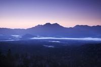三国峠の朝と東大雪の山々