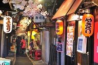 東京都 思い出横町の飲み屋街