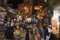 イエメン サナア スーク・アル・ミルフ(塩の市場) 夜景