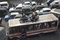 バングラデシュ・ダッカ ファームゲイト(中心街)のバス