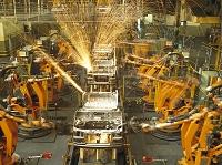 産業用ロボット 自動車工場の生産ライン
