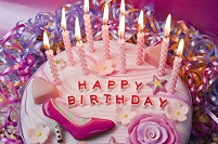 女の子の誕生日ケーキ
