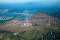 熊本県 阿蘇山中岳火口と高岳周辺