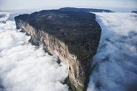 ベネズエラ ロライマ山と雲海