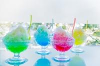 かき氷 イチゴとメロンとブルーハワイとレモン