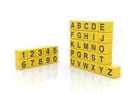 数字とアルファベットが書かれ黄色の立方体 CG