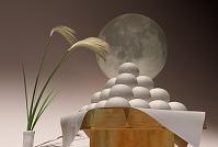 月見のお供えとススキと月