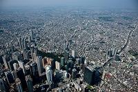 東京都 西新宿のビル群と西新宿の住宅地周辺より幡ヶ谷方面