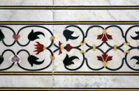 インド タージ・マハル 白大理石の壁面の模様