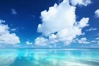 グアム タモンビーチと夏空