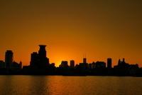 上海 浜江公園から外灘の夕暮れ