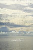 モルディブ 空 水平線と雲