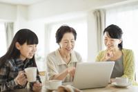 日本人の3世代家族