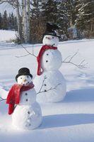 二つ並んだ雪だるま