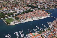 クロアチア ダルマチア地方 歴史地区古都トロギル