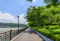中国 広東省 肇慶市 七星湖畔の遊歩道