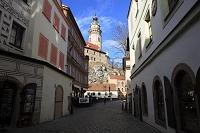 チェコ 石畳みの道とチェスキークロムロフ城