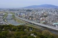 兵庫県 川西 猪名川と阪神高速道路街並み