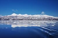北海道 知床連山と流氷