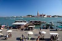 イタリア ベネチア ザッカリア船着き場とサン・ジョルジョ・マ...