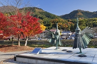 島根県 津和野町 鷺舞の像