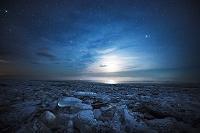 北海道 十勝川河口 ジュエリーアイス(岸に打ち上げられた氷)