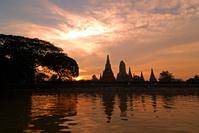 タイ王国 アユタヤ遺跡の夕暮れ