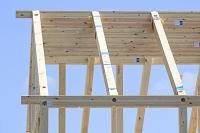 木造の建設現場